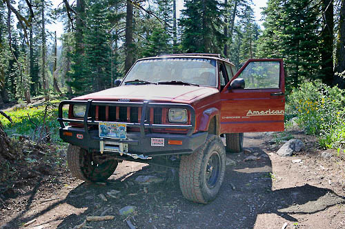 Moses Ludel's 1999 XJ Cherokee with six-inch long arm lift.