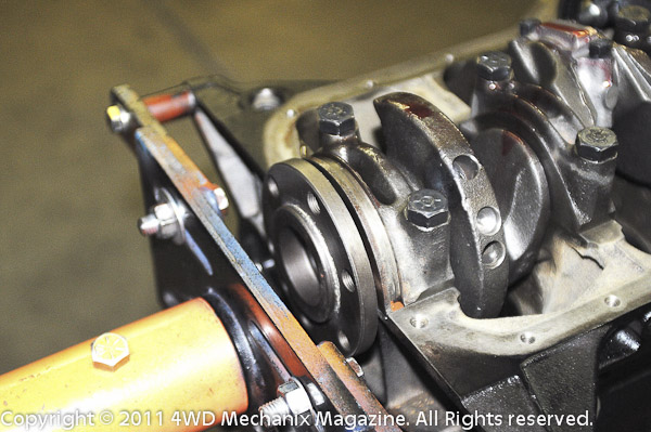4.2L crankshaft resting readily in the 4.0L block