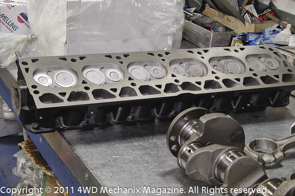 Jeep 4.0L inlne six cylinder head