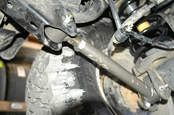 Minor rear axle offset detected.