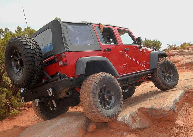 Warn introduces VR-series winches at Moab 2011!