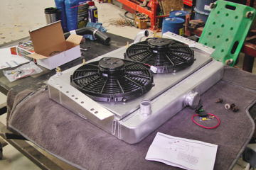 Griffin radiator with twin electric fans and shroud for J10 AMC/Jeep truck