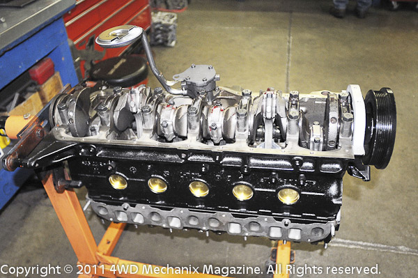 Moses Ludel's 4WD Mechanix Magazine – HD Video: Jeep 4.6L Inline Six Pistons, Rods and Bearings