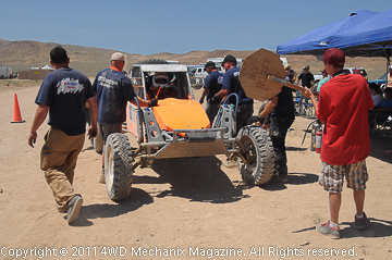 Pro Pit crew jumping into action at the 2011 VORRA-MasterPull U.S.A. 500 race!