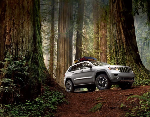 Grand Cherokee Jeep® Accessories Brochure!