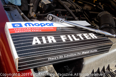 Moses Ludel's 4WD Mechanix Magazine – How-to: Trailside Air Filter Service
