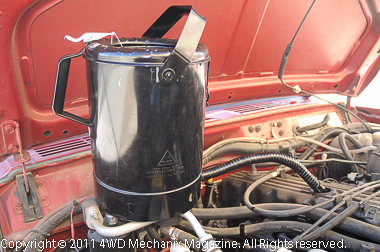 Large capacity oil fill can