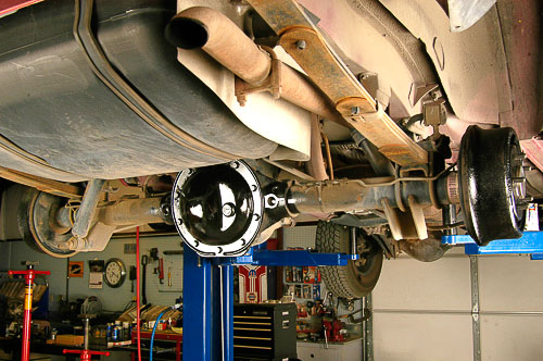 Completed 8.25 axle build-up with ARB Air Locker, 4.10:1 gears and heavy duty axle shafts.
