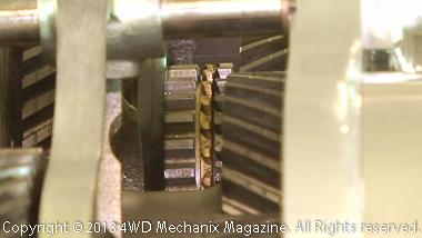 Atlas transfer case gear shifting mechanism
