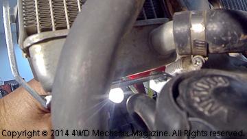 Fitting lower brackets on Acerbis Sahara tank