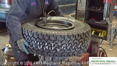 Airing and seating the new tire's bead
