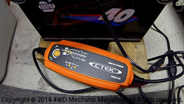 CTEK 4.3 Polar battery charger with RECOND mode