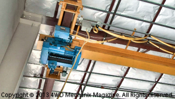 Overhead crane for hoisting diesel engines and equipment