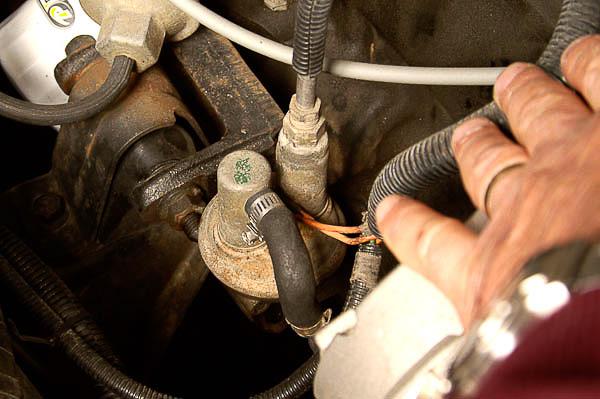 Mechanical fuel pump on 258/4.2L six