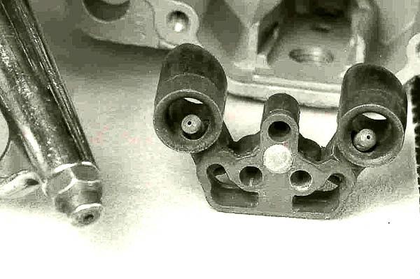 Carburetor venturi cluster