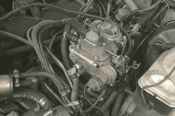 Mounting the carburetor on the manifold