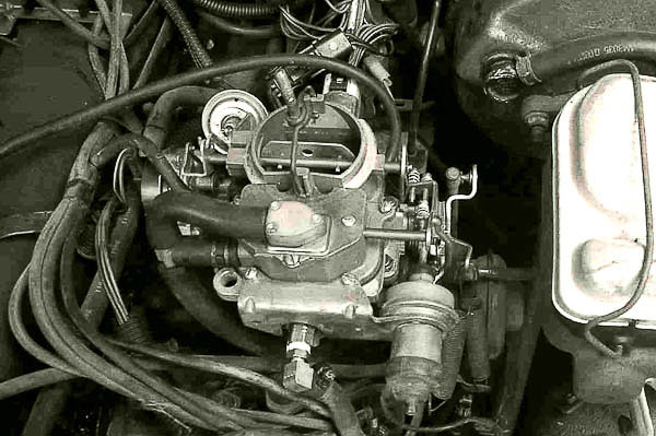 4.2L six with stock Carter BBD two-barrel carburetor