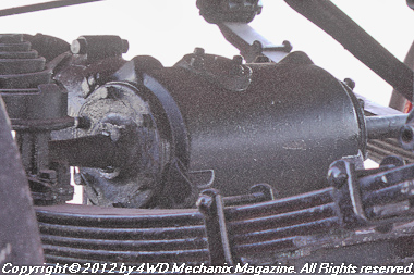 Front axle differential assembly