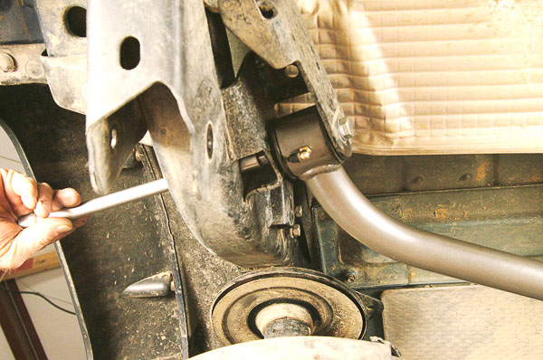 V-link outer brace pivots.
