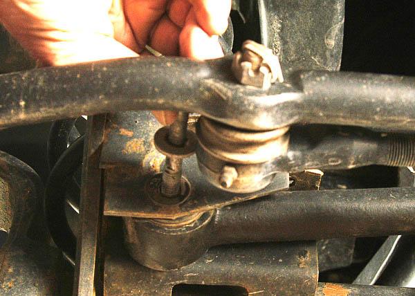 Removal of TJ Wrangler track bar.