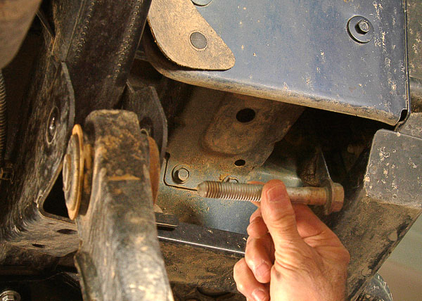 Detaching axle, maintaining alignment.
