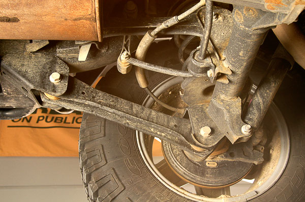 Upper and lower link arms and TJ Wrangler suspension system.